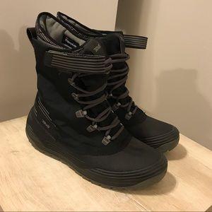 Teva Men's Winter Boots Size 10